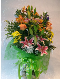 Ramo Lillium, Rosas y Astromelias