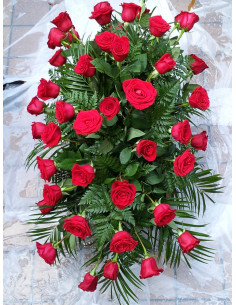 Palma de rosas rojas grande